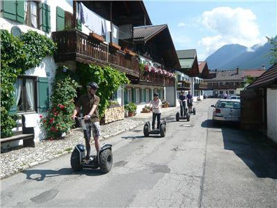 SEGWAY-Tour Garmisch erleben in 90 Min...