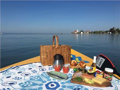 XXL Frühstück direkt auf dem See