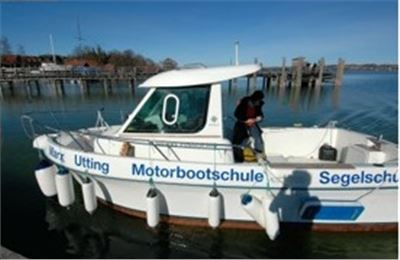 Motorboot Praxis Fahrstunde Küste